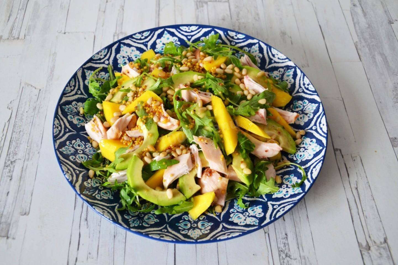 Салат с кедровыми орешками: рецепты с курицей, овощами, зеленью, виноградом и авокадо – рецепты с фото