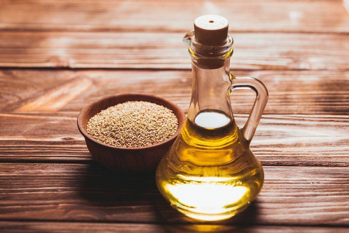 Кунжутное масло, полезные свойства и противопоказания