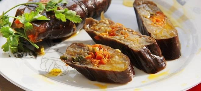 Квашеные баклажаны, фаршированные морковью и чесноком со стерилизацией и без