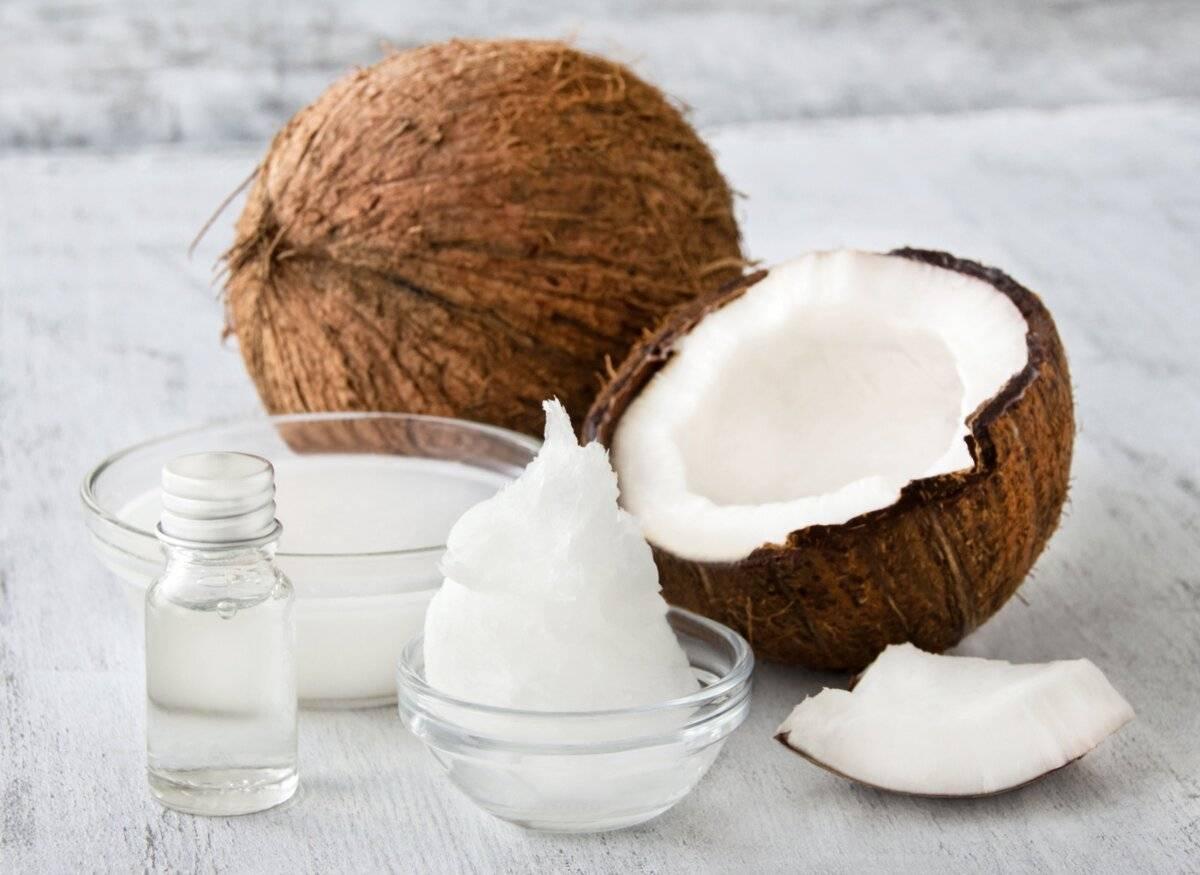 Миндальное масло при беременности от растяжек тела, применение внутрь во время вынашивания плода, наружно после родов против трещин сосков, выбор продукта, польза
