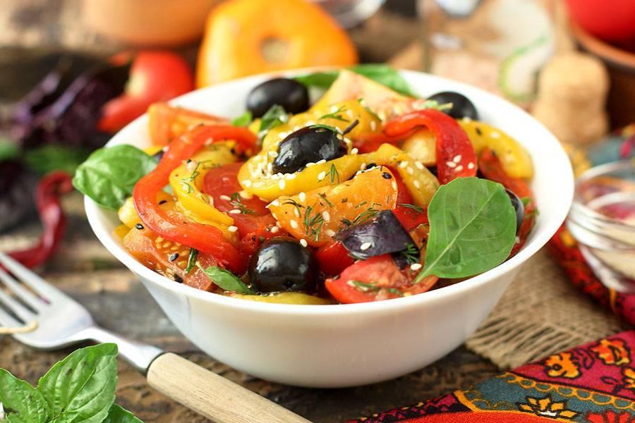 Из огурцов кружочками с луком – вкусный салат на зиму