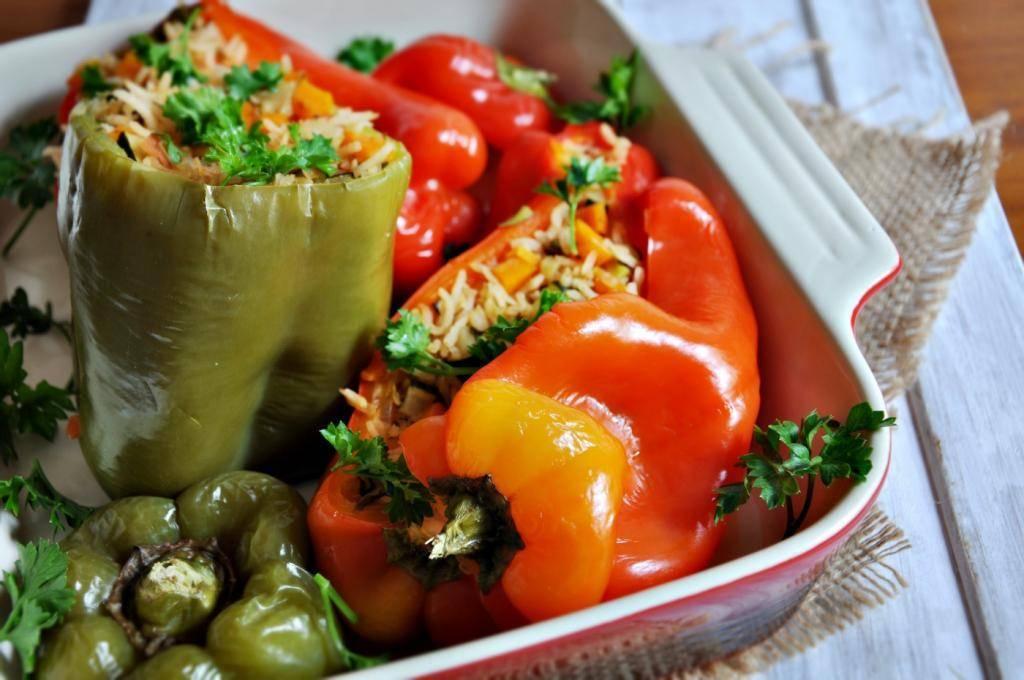 Перец, фаршированный мясом и рисом. 8 вкусных рецептов с фото
