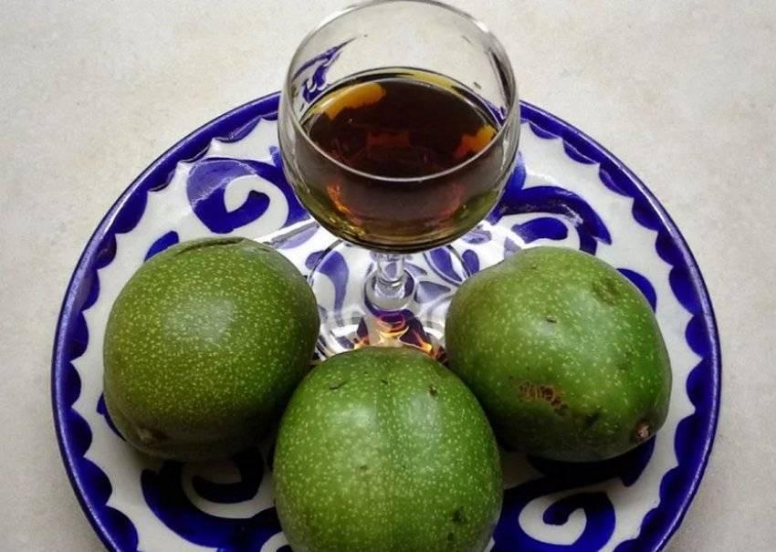 Настойка на перегородках грецкого ореха на спирту