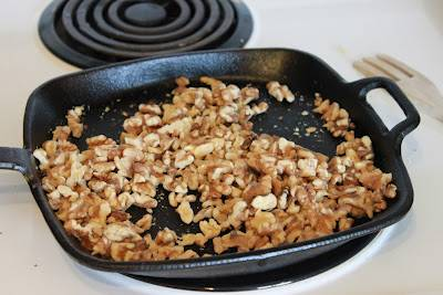 Нужно ли жарить кешью. как жарить орехи кешью. какой кешью полезнее жареный или сырой
