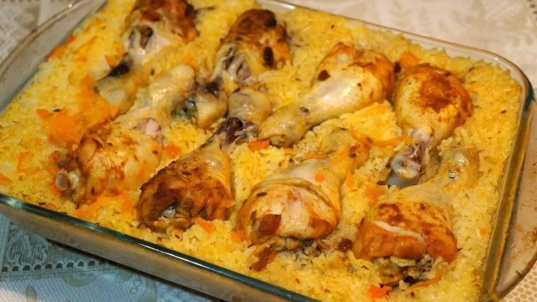 Курица на подушке из риса в духовке