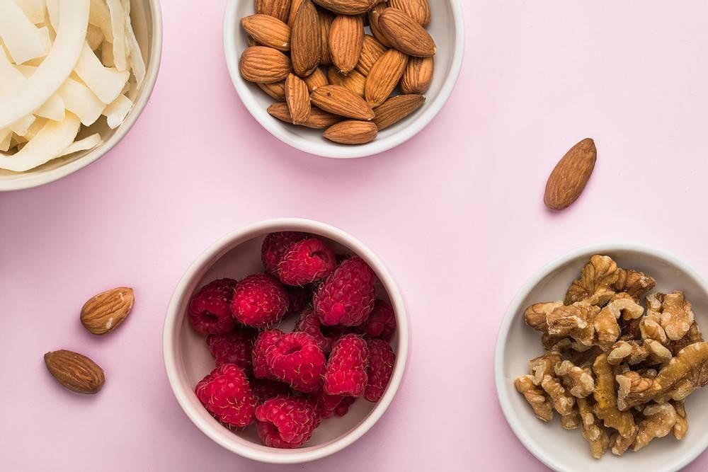 Какие продукты понижают давление - список овощей, фруктов и напитков при артериальной гипертензии