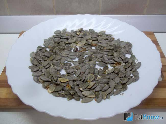 Инструкция, как сушить тыквенные семечки в домашних условиях: различные способы сушки семян тыквы и правила их хранения