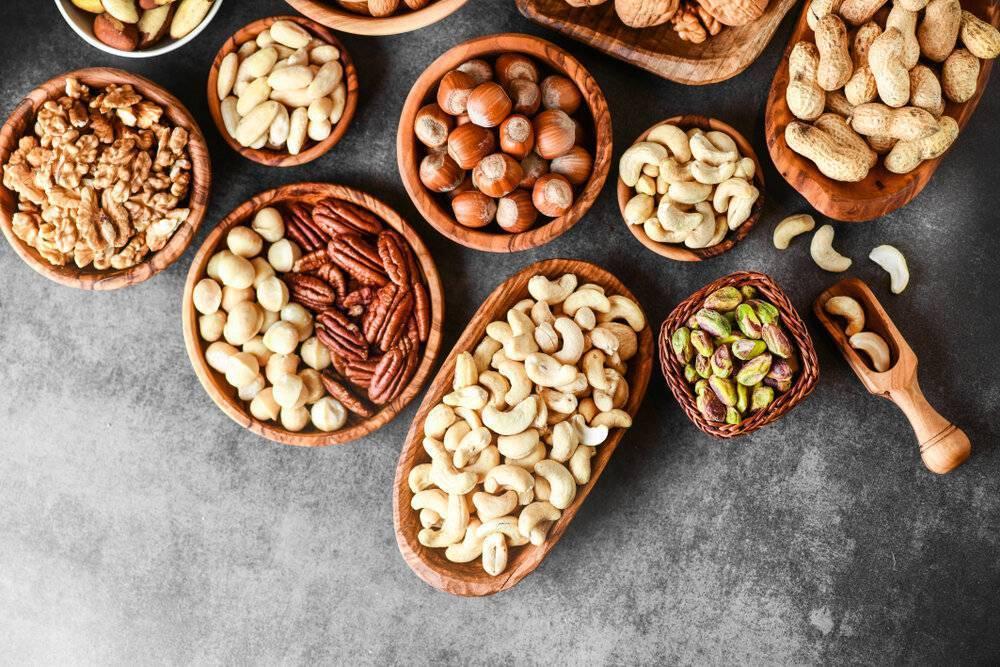 Орехи для похудения: кедровые, грецкие и миндаль
