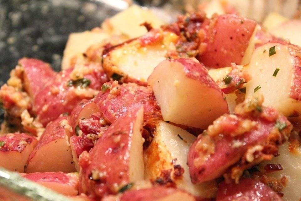 Картофель запечённый с беконом - 20 рецептов: основные блюда | foodini