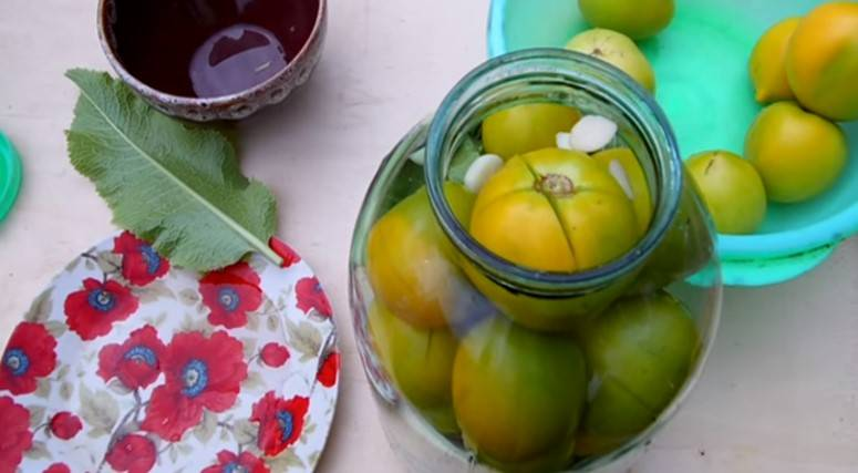 Помидоры как бочковые: как засолить томаты в домашних условиях