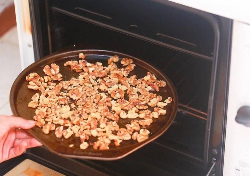 Как жарить орехи