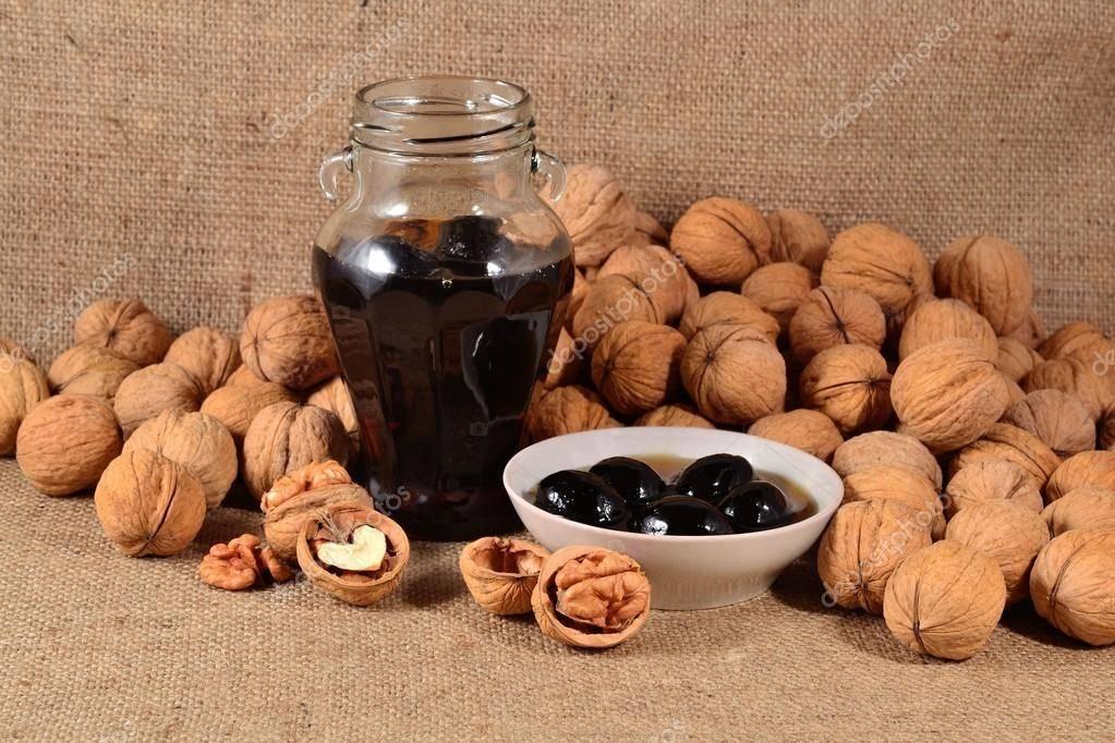 Варенье из зеленых грецких орехов: польза и вред, рецепты приготовления