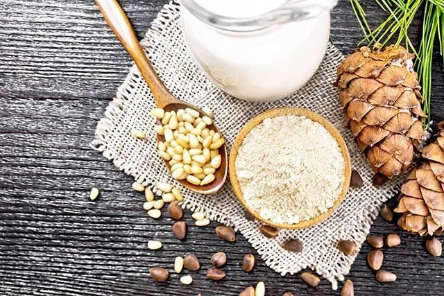 Молоко с кедровыми орехами от кашля для детей - лор-заболевания