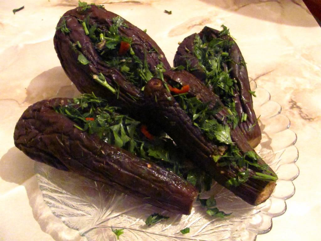 Квашеные баклажаны: с морковкой, фаршированные или резанные кусочками