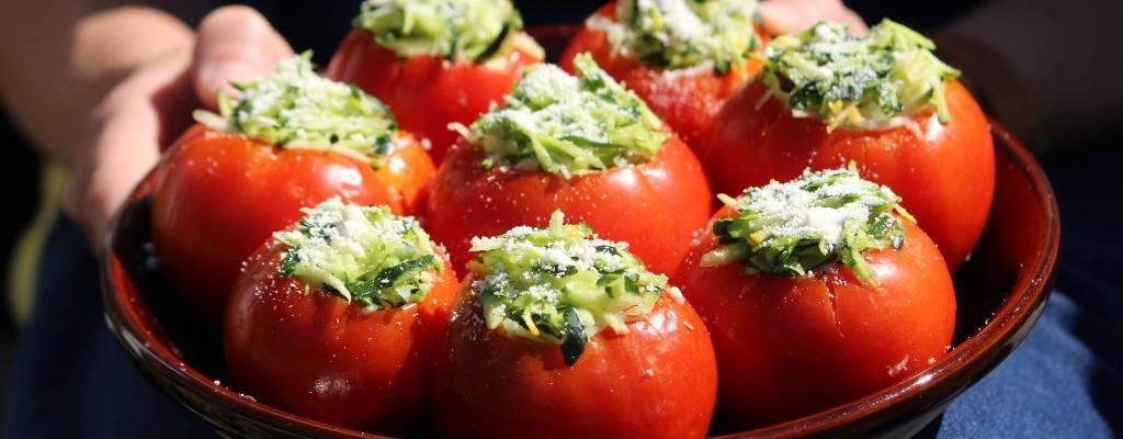 Фаршированные помидоры в духовке - съедобные чашечки: рецепты с фото и видео