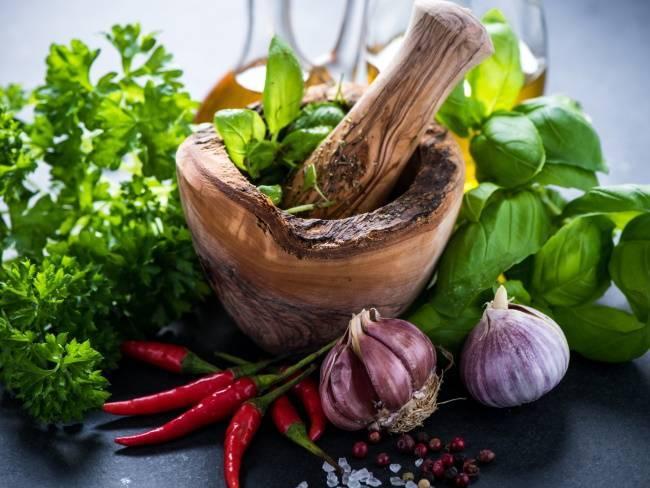 Какие специи добавляют при тушении капусты: обзор, рецепт универсальной приправы (+отзывы)