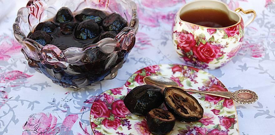 Чем полезно варенье из грецких орехов и как его приготовить