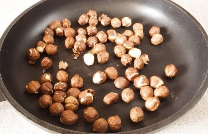 Как жарить грецкие орехи в духовке и на сковороде перед употреблением