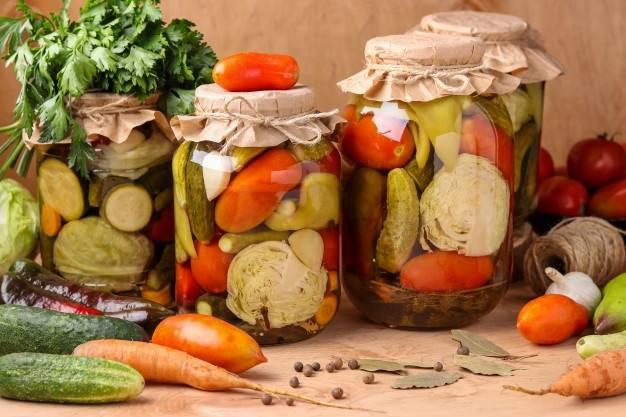 Пищевая ценность плодов, ягод и овощей и способы их хранения. домашнее консервирование. соление. копчение. полная энциклопедия