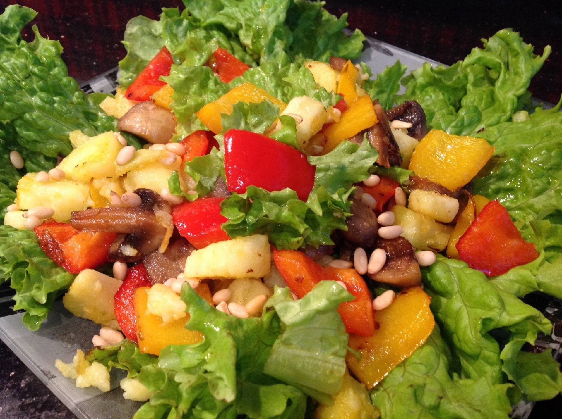Дары сибири: салаты с кедровыми орешками