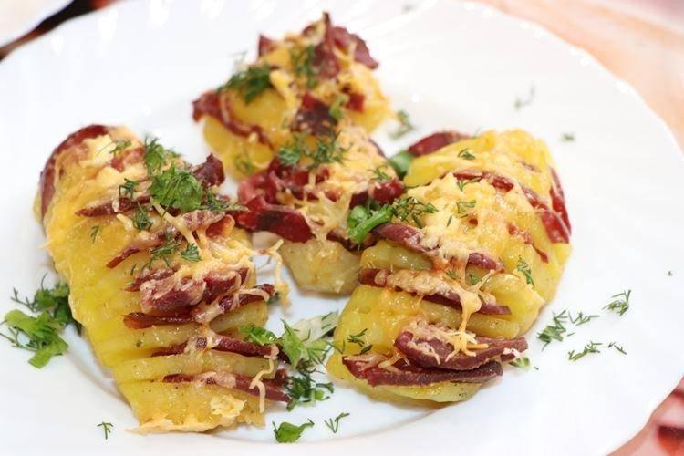 Картошка с беконом в фольге в духовке: интересные и оригинальные рецепты