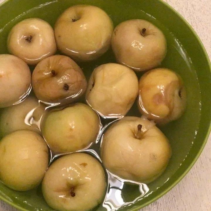 Моченые патиссоны с яблоками и лимонником «стимулирующие». необычные рецепты заготовок