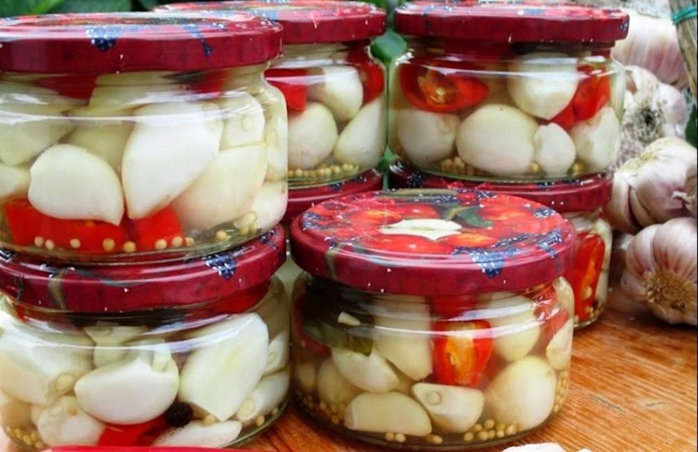 Маринованный чеснок на зиму, рецепт, как замариновать чеснок зубчиками на зиму без стерилизации