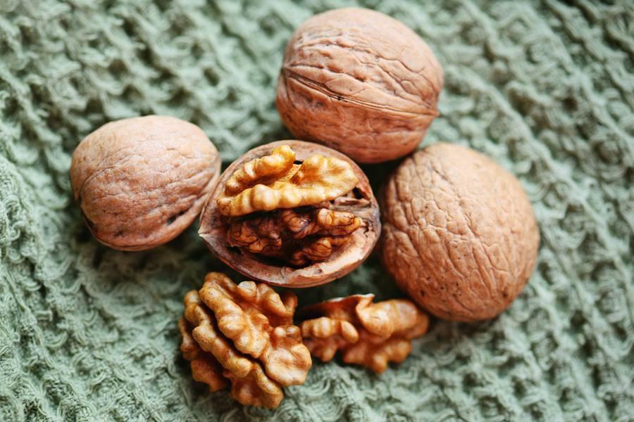 Сонник орех приснился, к чему снится орех во сне видеть?