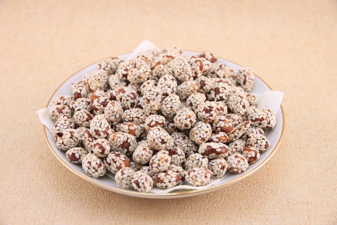 Польза от арахиса с кунжутом