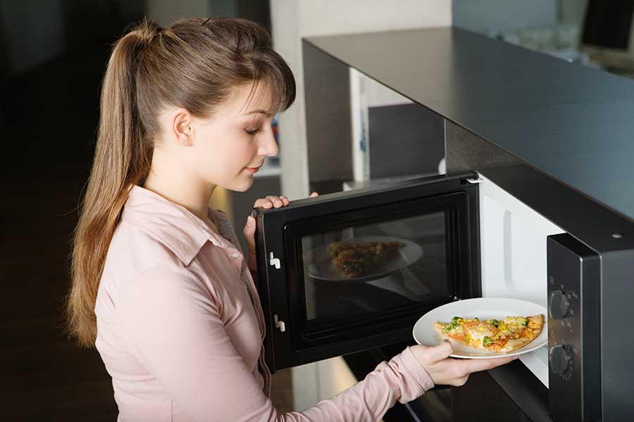 Как выбрать микроволновую печь для дома: критерии и советы
