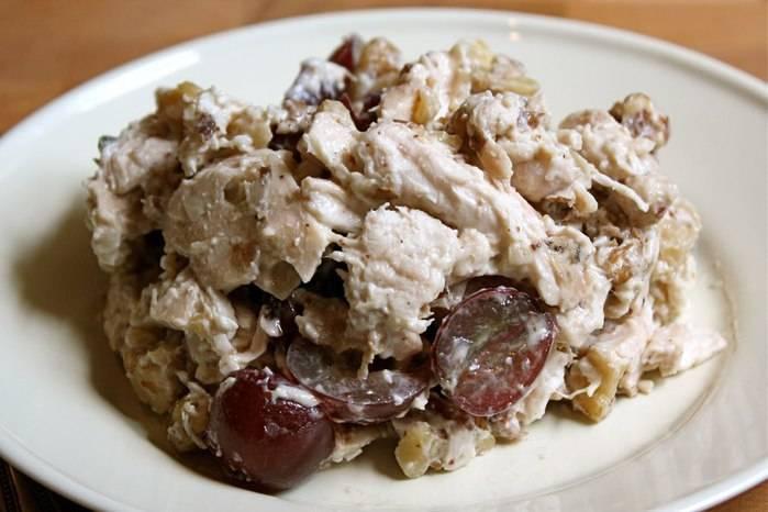 Салаты с куриной грудкой и грецкими орехами