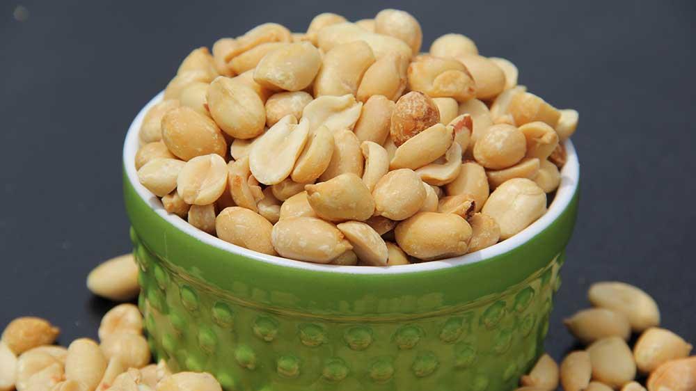 Бланшированный арахис - что это такое, в чем его польза и назначение?