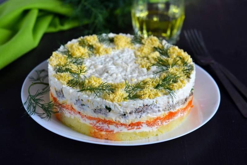 Салат из рыбных консервов - лучшие рецепты