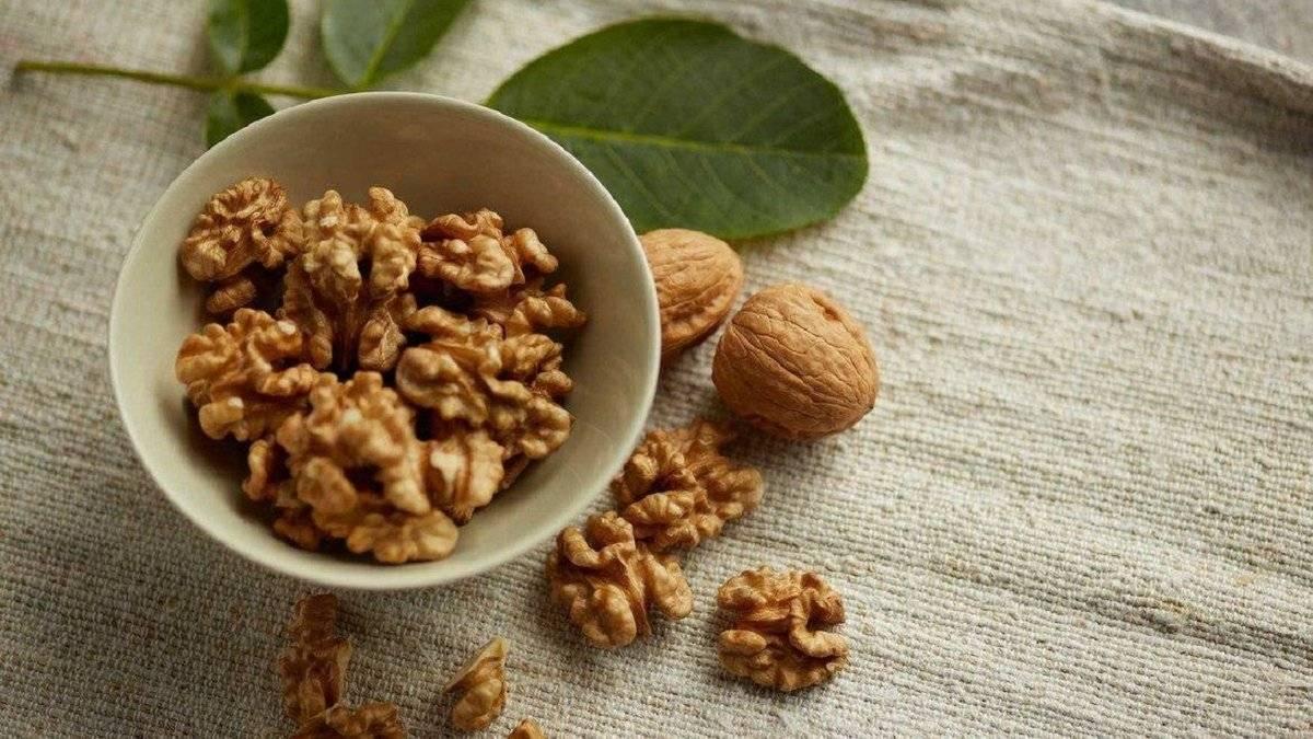 Вред и польза орехов при панкреатите