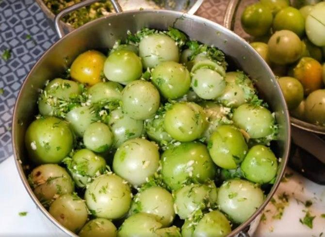 Зелёные помидоры бочковые (в ведре, в кастрюле, в банках): лучшие рецепты, пошаговая инструкция приготовления в домашних условиях