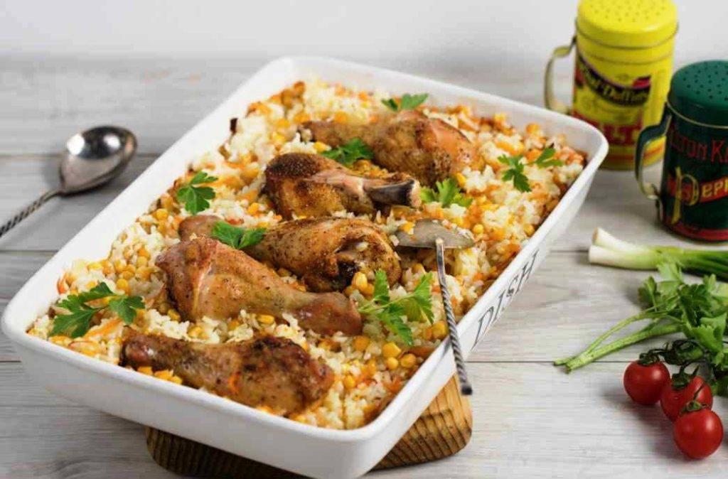 Куриные бедрышки с рисом в духовке - рассыпчатый и ароматный вкус: рецепт с фото