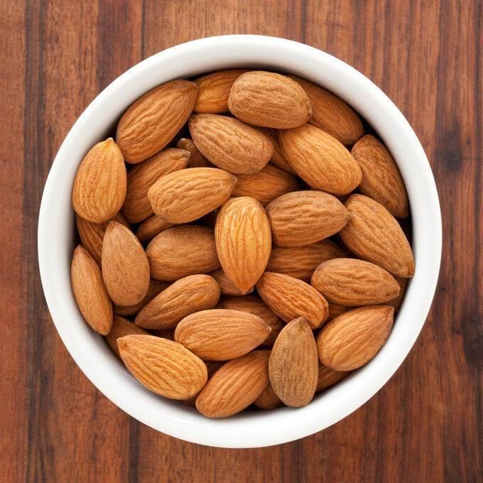 Миндаль: полезные свойства и противопоказания, применение, горький и сладкий орех