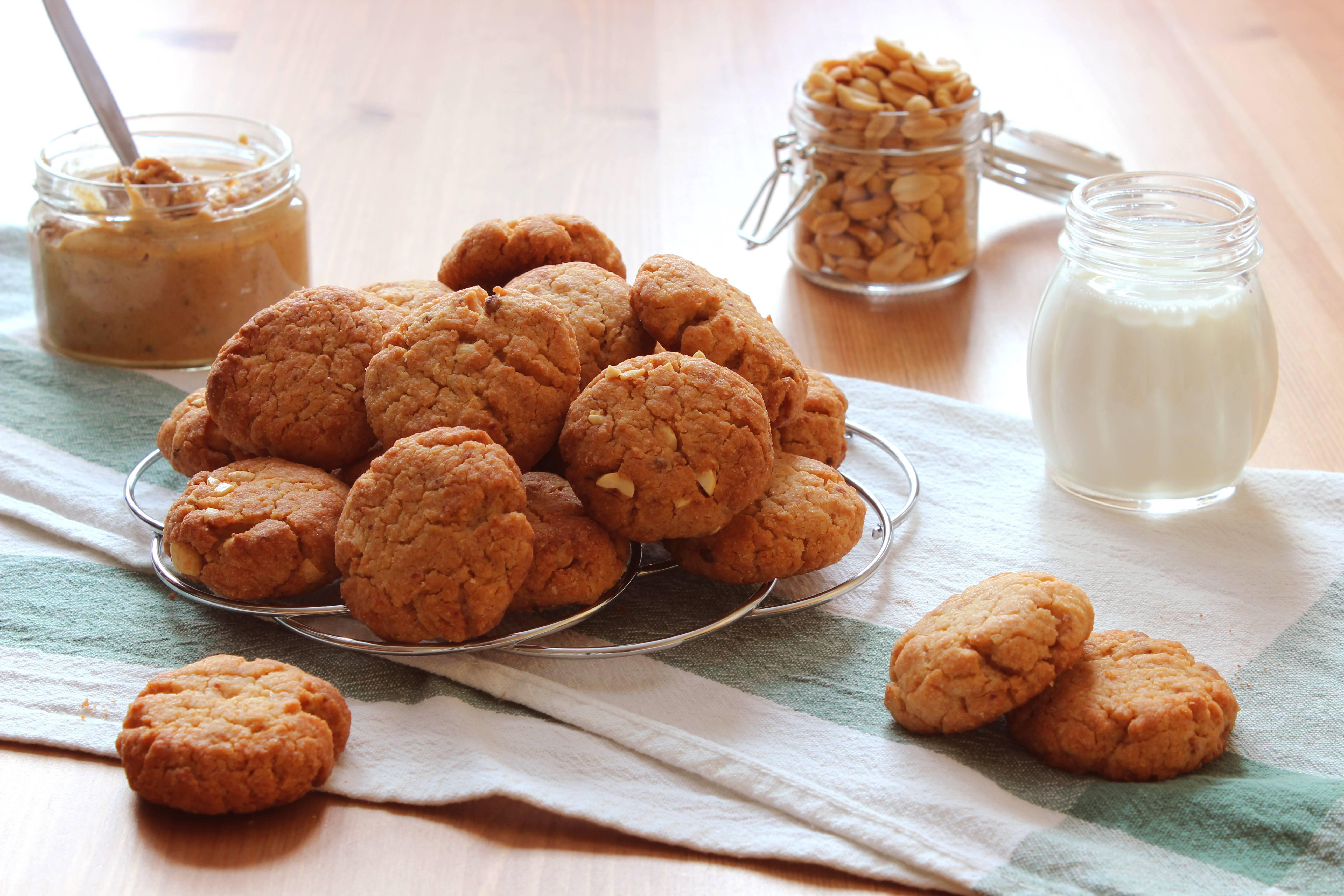 Печенье с арахисовой пастой и шоколадом – кулинарный рецепт