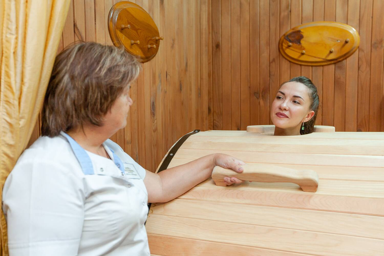 Кедровая бочка - показания и противопоказания процедур для похудения и здоровья