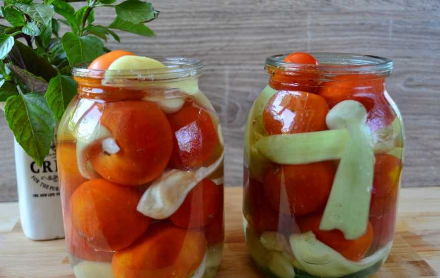 Вкуснейшие маринованные помидоры с медом на зиму: сладкие, ароматные, даже дети просят добавку!