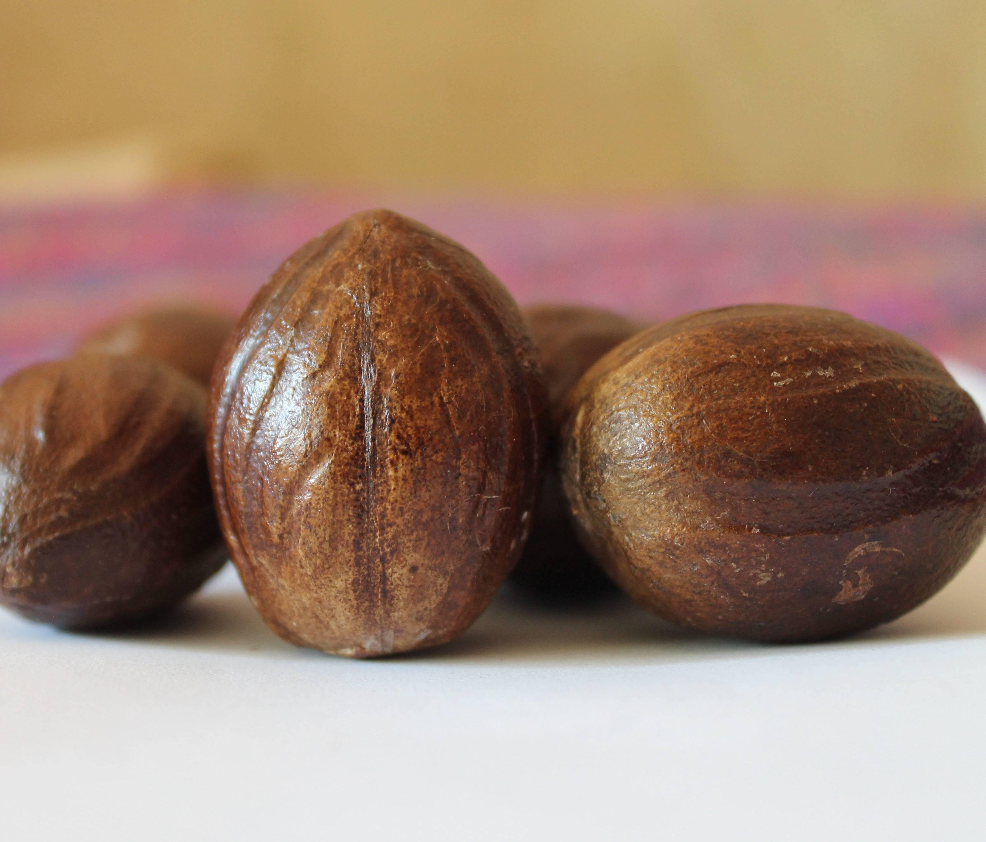 Эфирное масло мускатного ореха полезные свойства   spicesguide.ru