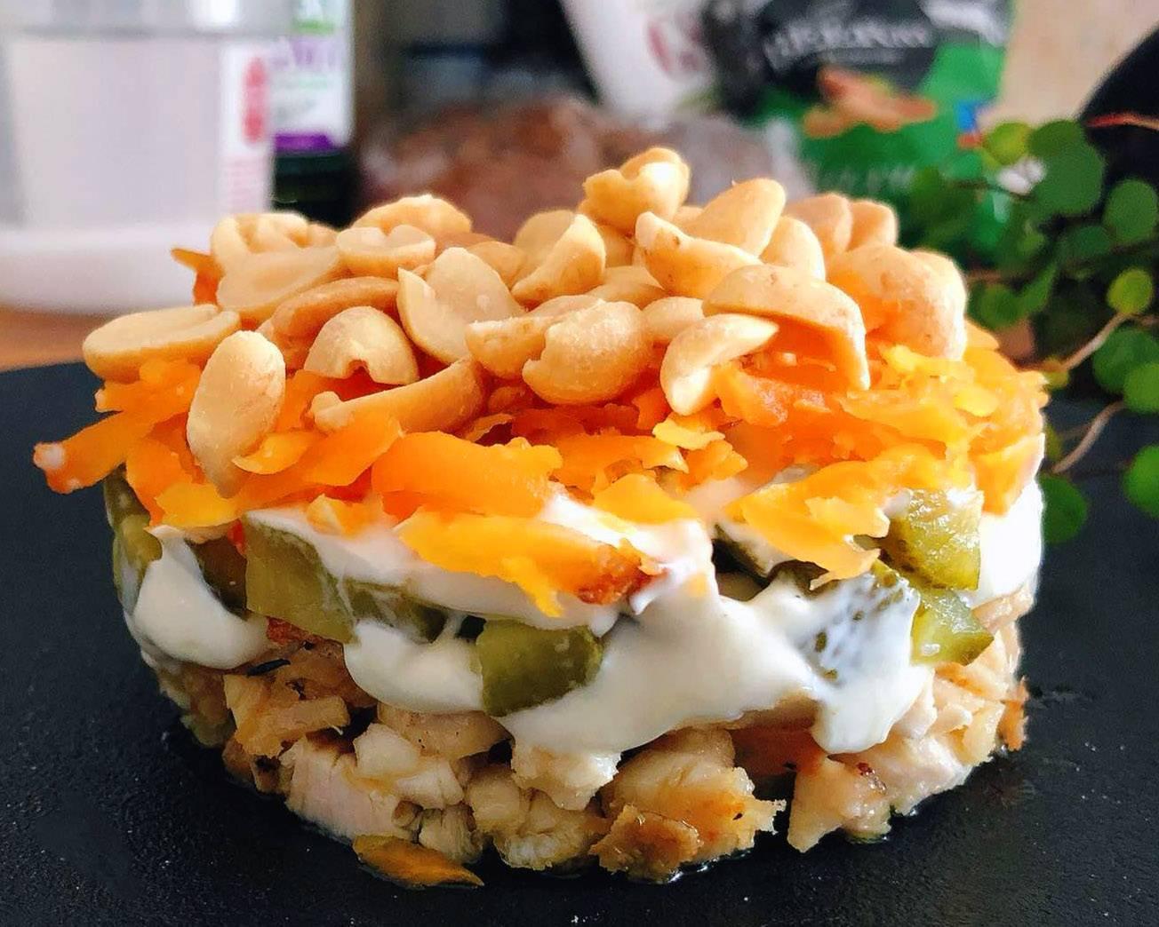 Простые рецепты салатов с арахисом