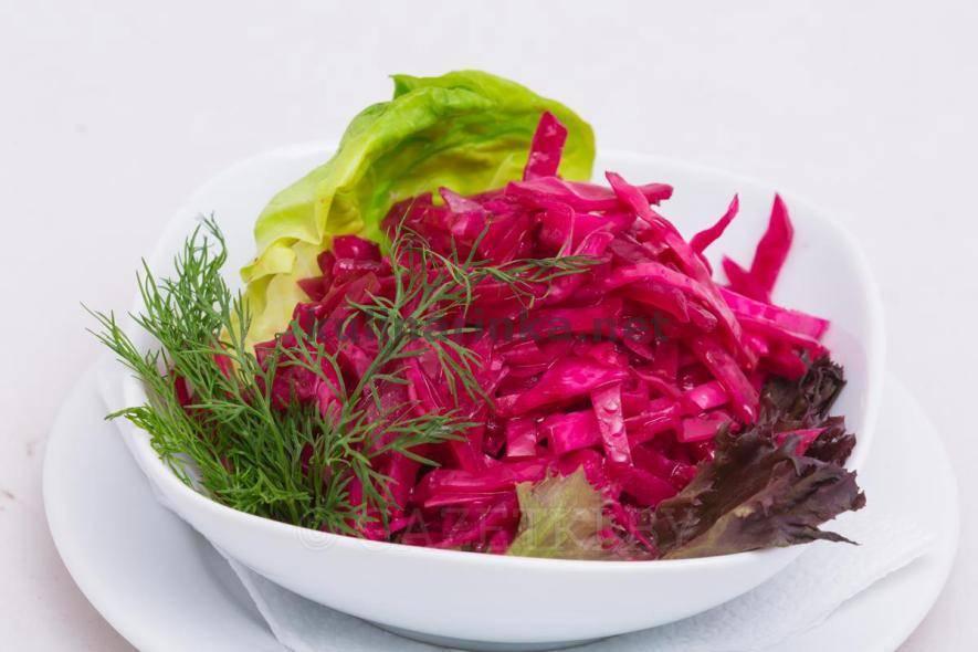 Капуста со свеклой на зиму — очень вкусные рецепты капусты в банке