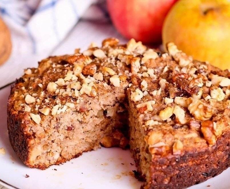 Пирог с яблоками, орехами и корицей – кулинарный рецепт