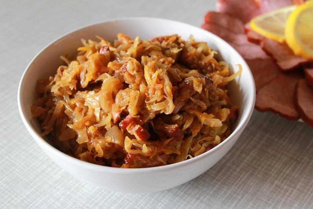 Тушеная капуста – 10 очень вкусных классических рецептов