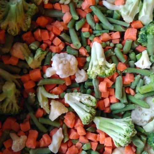 Овощное рагу из цветной капусты и зелёной фасоли