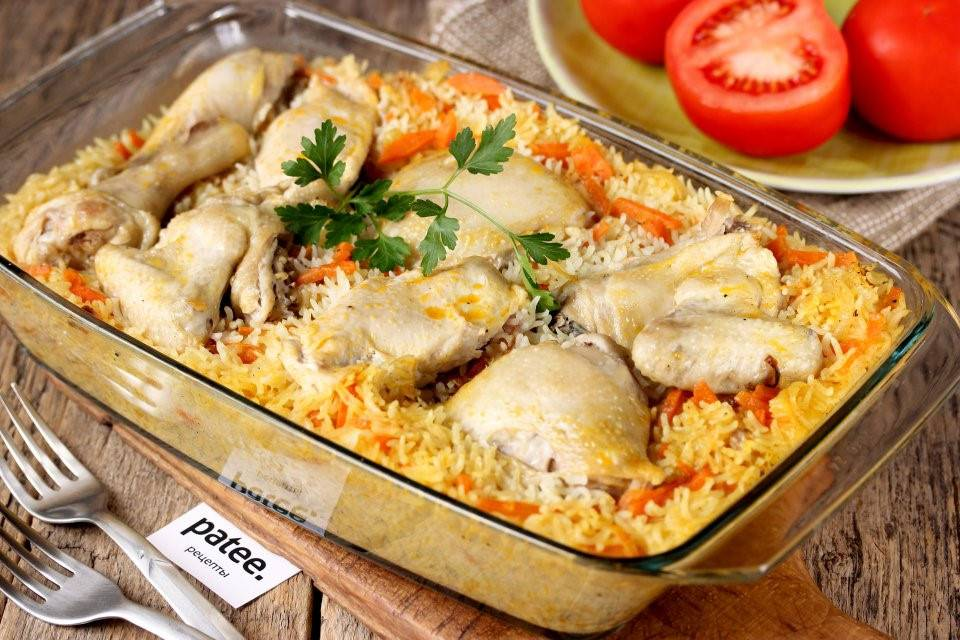 Куриные ножки с рисом на сковороде
