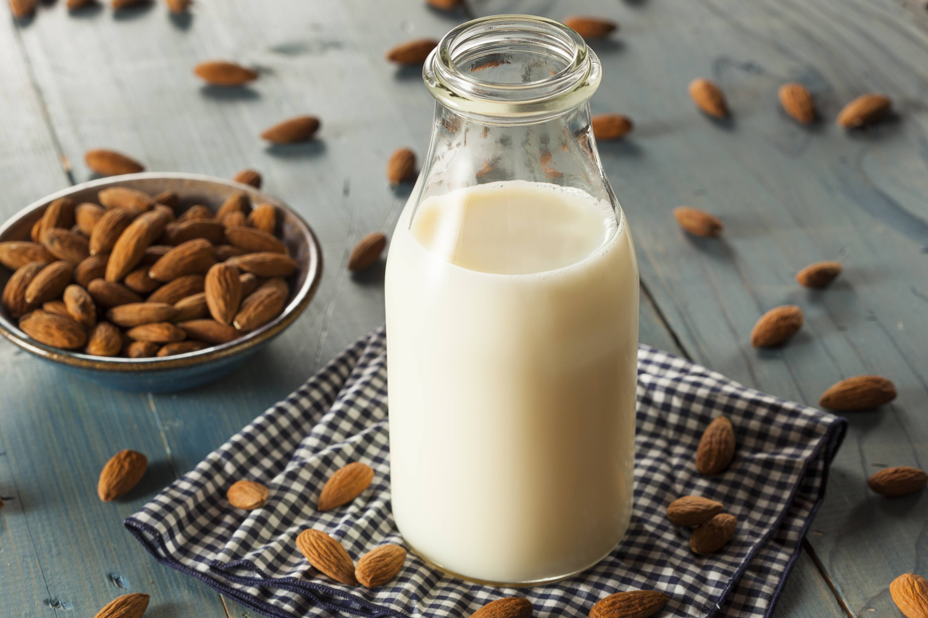 Рецепт кедрового ореха с молоком от кашля