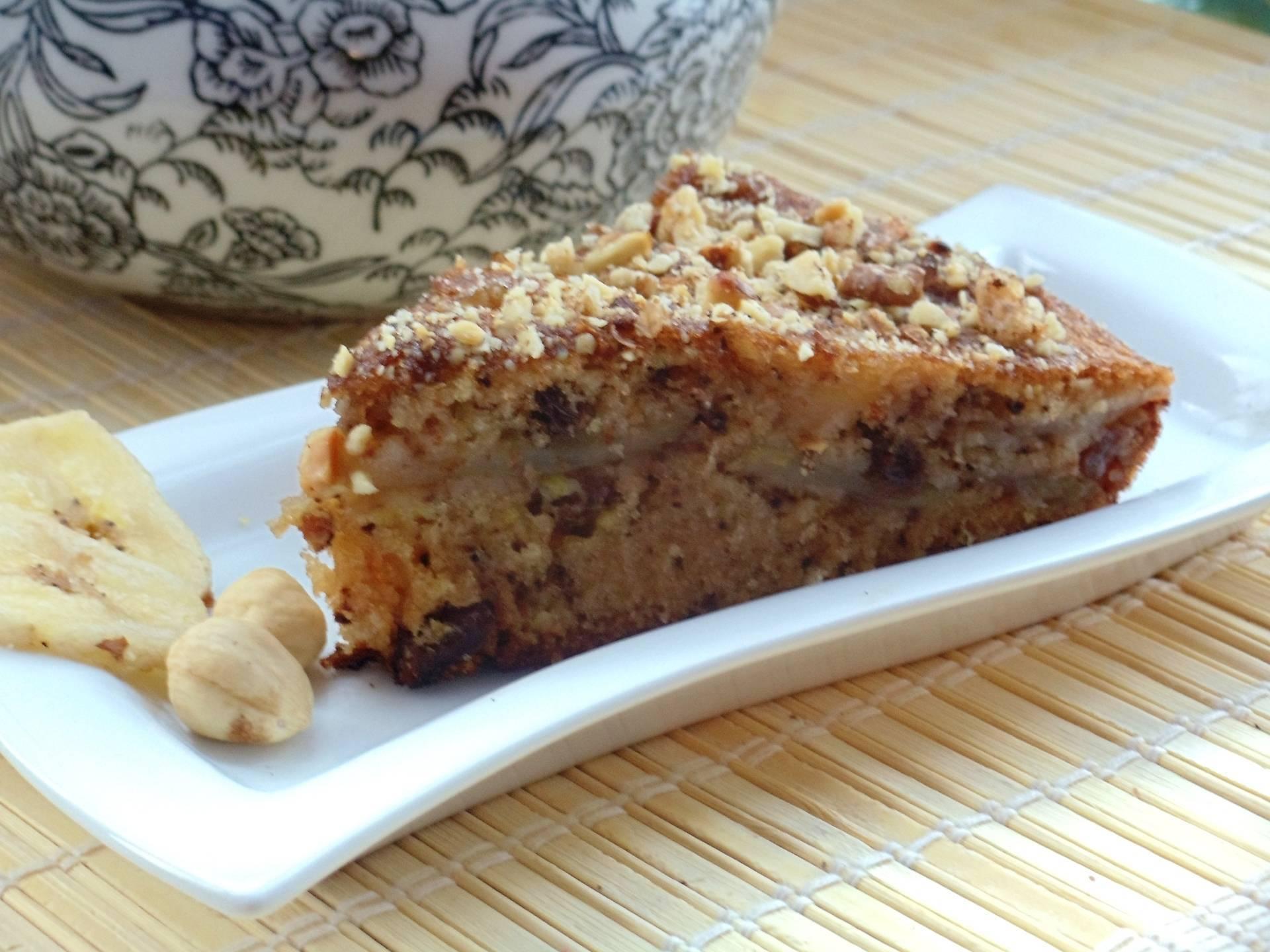 Овсяный пирог с яблоками и орехами