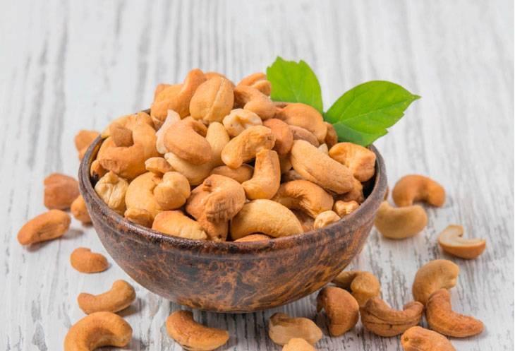 Орехи при гастрите: можно ли есть грецкие, кедровые, арахис?